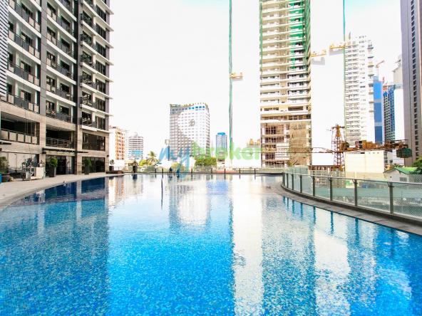 knightsbridge-residences-pool